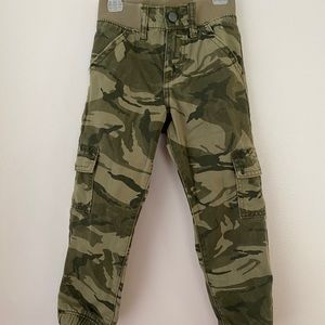 Brand new w/o tags boy Wrangler pants size 5T